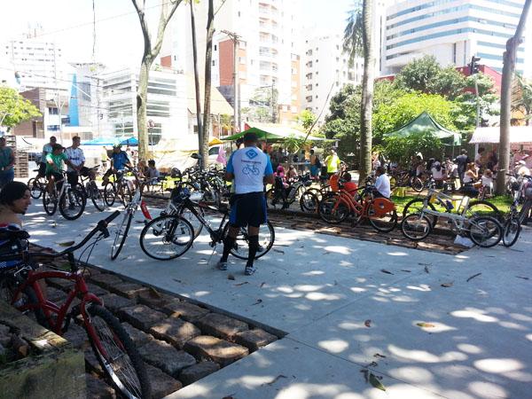 movimento de ciclistas na ciclofaixa 2